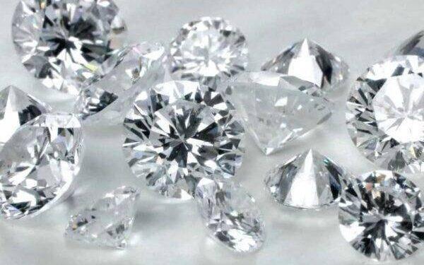 8 быстрых и простых способов узнать, настоящий или ненастоящий бриллиант