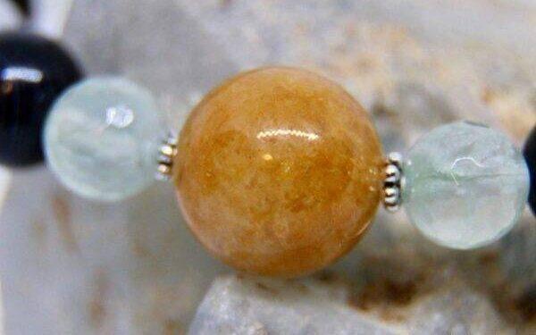 Азезтулит: значения, особенности камня и его влияние на жизнь человека