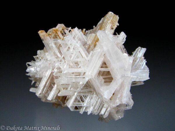 Прозрачные кристаллы: кому подходят, и как использовать?