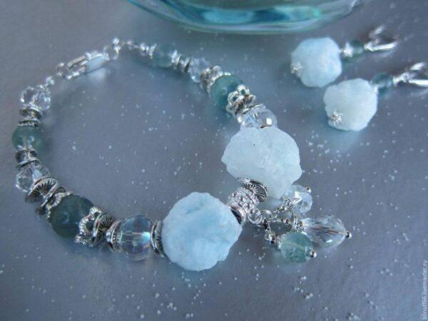 Голубые кристаллы: как выбрать свой кристалл и особенности их ношения