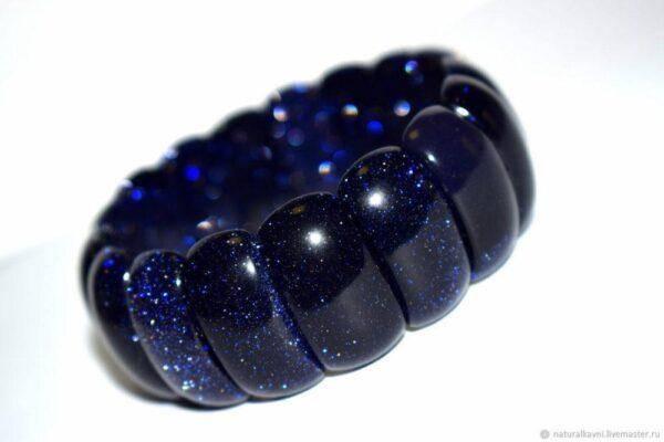 Голубой авантюрин: полезные свойства камня и его характеристики
