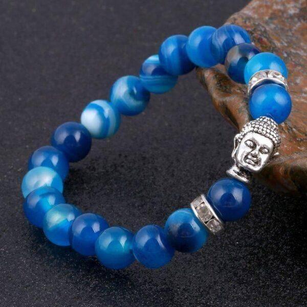 Голубой Оникс: основные характеристики, свойства и особенности его ношения