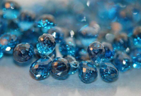Голубой топаз: особенности его ношения, характеристики и свойства