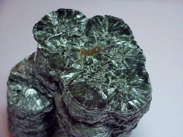 Хлоритный кристалл: значения, свойства и особенности его ношения