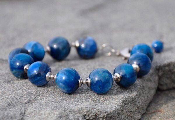 Кианит: особые характеристики камня, значение и свойства