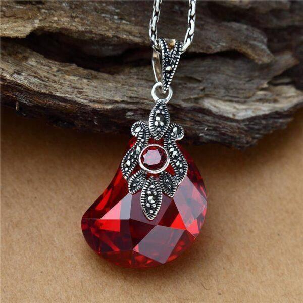 Красный Авантюрин:полезные свойства камня и основные характеристики