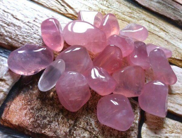 Розовый  кальцит: характеристики, значение и магические свойства