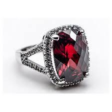 Альмандин: полезные свойства, основные характеристики камня