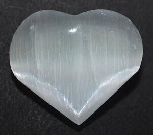 Селенит: описание, характеристики и полезные свойства камня