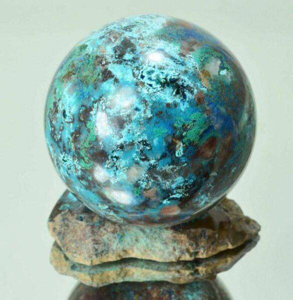 Шаттукит: влияние на жизнь человека, свойства и особенности камня