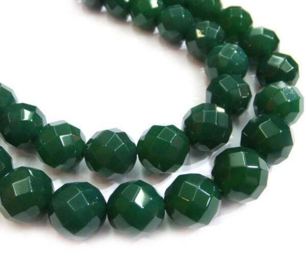 Зеленые камни: значения, свойства и особенности