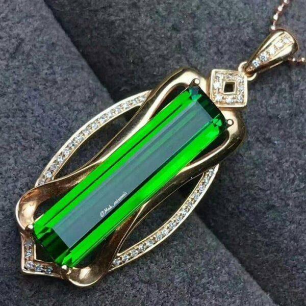 Зеленый турмалин: значения, свойства и особенности его ношения