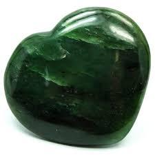 Зеленый апофиллит: значения, свойства и кому подходит для ношения
